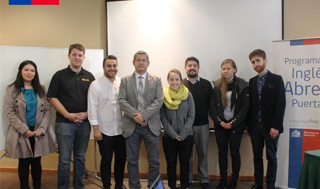 grupo de voluntarios y voluntarias angloparlantes en la región de Los Lagos, Chile